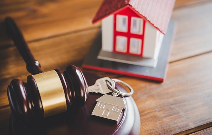 Адвокат добилась отмены решения о выселении доверительницы из проданной без ее согласия квартиры