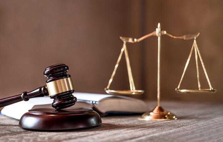Экс-президент АП Брянской области признан виновным в получении денег за содействие в сдаче адвокатского экзамена