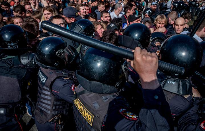 ЕСПЧ присудил почти 48,5 тыс. евро избитым после «Марша несогласных» в 2007 году