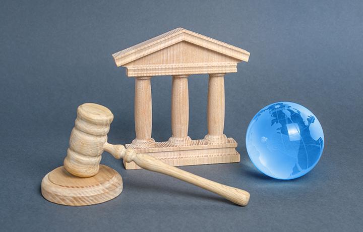 ЕСПЧ: Суд должен особенно внимательно оценивать допустимость признания вины в отсутствие адвоката