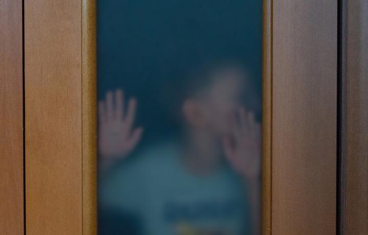 ЕСПЧ: усыновление ребенка не всегда прекращает его связь с родными дедушкой и бабушкой